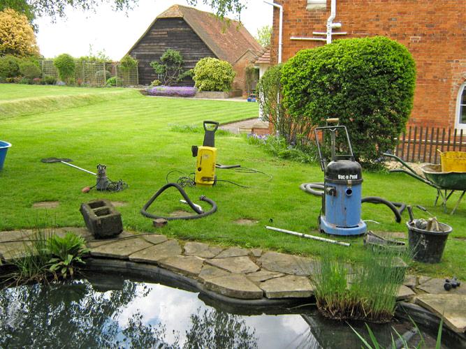 Garden pond cleaning for Garden pond maintenance